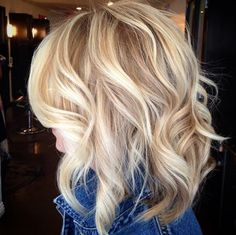 Most popular medium bob hairstyle with beachy waves