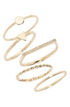 Absolutely adoring this set of gold rings that mix-and-match effortlessly. / @nordstrom #nordstrom