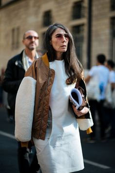 See The Most Covetable Street Style Vetements From Paris+ Star Fashion, Daily Fashion, Girl Fashion, Womens Fashion, Paris Fashion, Fashion Weeks, Fashion Fashion, Cool Street Fashion, Street Chic