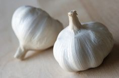 This is a guide about freezing garlic. Freezing garlic can be accomplished as cloves, a whole head, or minced, but it can lose some of it's texture and flavor during freezing.