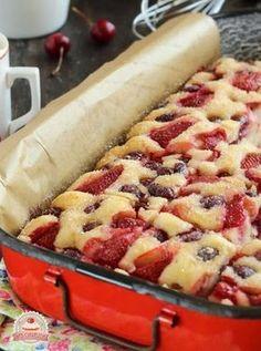 Bögrés gyümölcsös kocka Summer Desserts, Sweet Desserts, Sweet Recipes, Delicious Desserts, Cake Recipes, Dessert Recipes, Hungarian Desserts, Hungarian Recipes, Good Food