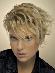 Casual-Short-Wavy-Hairstyles-2012_25.jpg 570×758 pixels