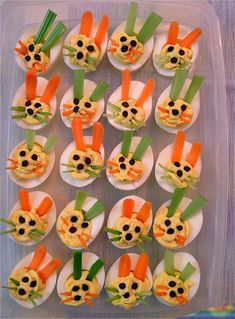 Bunny deviled eggs for Easter!-this is too cute I for see me,Lee Lee and AJ's ne… Bunny deviled eggs for Easter!-this is too cute I for see me,Lee Lee and AJ's next easter project for 2014 Fried Deviled Eggs, Easter Deviled Eggs, Devilled Eggs Recipe Best, Deviled Eggs Recipe, Easter Recipes, Egg Recipes, Fruits Decoration, Easter Appetizers, Appetizer Recipes