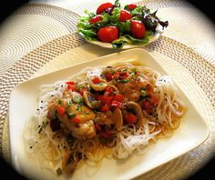 Chicken Legs, Mets, Spaghetti, Clean Eating, Food And Drink, Restaurant, Ethnic Recipes, Style Retro, Ajouter