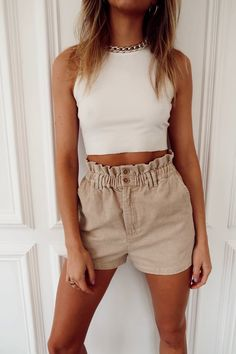 Trendy Summer Outfits, Cute Casual Outfits, Short Outfits, Simple Outfits, Cute Beach Outfits, Summer Clothes For Teens, Outfit Ideas Summer, Outfits With White Shorts, Comfortable Summer Outfits
