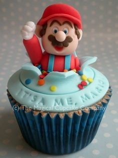 Super Mario Brothers The Magical Cupcake Company - Cupcakes Cupcakes Super Mario, Kid Cupcakes, Cupcake Cookies, Fancy Cakes, Mini Cakes, Cake Pops, Cupcakes Decorados, Character Cakes, Pretty Cakes