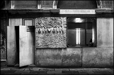 carlo scarpa @ olivetti showroom - venice [1957 - 1958] #15 by d.teil, via Flickr