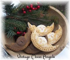 Olde Vintage Look Moon Angel Bowl by harvestmoonprims on Etsy Christmas In July, Christmas Angels, Christmas Ornaments, Tart Molds, Bowl Fillers, Vintage Looks, Crafts To Make, Halloween, Moon