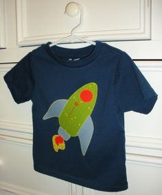 I'm in love with this rocket ship appliqued tee! Isn't it adorible?!
