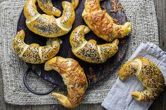 Fylte horn Bread Recipes, Cooking Recipes, Bagel, Shrimp, Sausage, Nutella, Pesto, Lunch, Baking