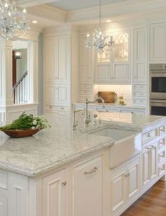 46 Luxury White Kitchen Design Ideas To Get Elegant Look - hoomdesign