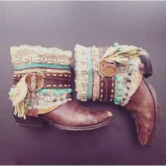 This is a listing for a custom pair of gypsy boots. Made in our boho shabby chic style with vintage belts, leather fringe, poms, shells and lace. If you have a special design, contact us with your ide Festival Style, Festival Boots, Boho Festival, Gypsy Boots, Boho Boots, Cowgirl Boots, Ropa Shabby Chic, Shabby Chic Style, Masai Mode