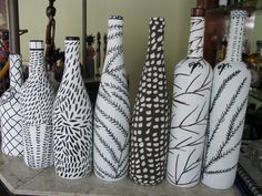 Shared by Find images and videos about black, white and cool on We Heart It - the app to get lost in what you love. Painted Glass Bottles, Glass Bottle Crafts, Wine Bottle Art, Diy Bottle, Garrafa Diy, Glass Painting Designs, Deco Originale, Creation Deco, Altered Bottles