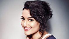 Hot Sonakshi Sinha Wiki, Age, Bio, Height, Boyfriend, Bra Size, Affairs, Worth, Assets