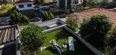 Com telhado verde a área de lazer da casa pode ser ampliada.