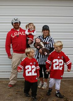 49 halloween costumes for kids/girl!DIY Halloween costumes for kidsno sewing necessary! internet at large there are so many great ideas for DIY Halloween costumes out there. Football Halloween Costume, Referee Costume, Halloween Costumes You Can Make, Baby Halloween Outfits, Family Halloween Costumes, First Halloween, Halloween Kids, Halloween 2020, Zombie Costumes