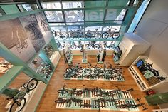 Bianchi Opens New Pop-Up Bike Shop in Munich Bicycle Cafe, Bicycle Store, Triathlon Shop, Mtb Shop, Steel Bike Frames, Munich Shopping, Popup, Recycled Bike Parts, Retail Store Design