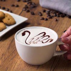 Estos tips para decorar café te van a encantar. Cappuccino Art, Coffee Latte Art, My Coffee Shop, Coffee Shop Design, Best Coffee, Coffee Time, Cozy Coffee, Coffee Logo, Coffee Humor