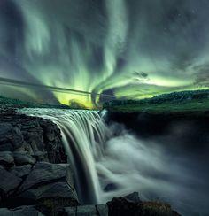 Mads Peter Iversen Dettifoss aurora