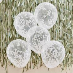 Keep your baby shower decorations simple with these minimalistic Hey Baby shower confetti balloons. These white confetti balloons work well with any theme and are fab for a gender neutral baby shower! Boho Baby Shower, Fiesta Baby Shower, Gender Neutral Baby Shower, Bridal Shower, Clear Balloons, White Balloons, Confetti Balloons, Paper Confetti, Latex Balloons