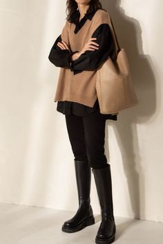 Kpop Fashion Outfits, Winter Fashion Outfits, Mode Outfits, Look Fashion, Cute Casual Outfits, Stylish Outfits, Sweater Vest Outfit, Casual Chique, Minimal Outfit