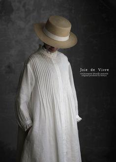 Fashion Tips For Beginners Vintage Dresses, Vintage Outfits, Vintage Fashion, 2000s Fashion, Daily Fashion, Fashion Tips, Linen Dresses, White Maxi Dresses, Kurta Designs