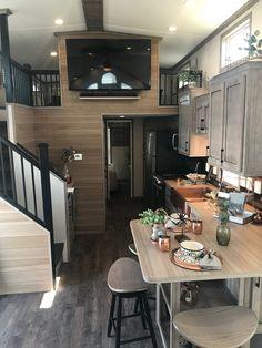 Small room design – Home Decor Interior Designs Tiny House Loft, Best Tiny House, Tiny House Trailer, Modern Tiny House, Tiny House Plans, Tiny House Design, Tiny Houses, Cabin With Loft, Tiny House 2 Bedroom
