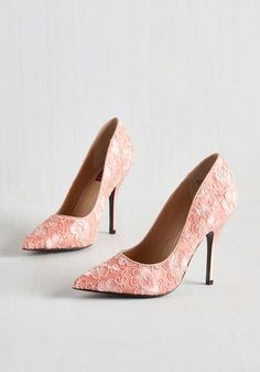 Trusty Creativity Heel in Rose. You always rely on your unique perspective to guide you to the most impactful wardrobe pieces, and these soft pink pumps by Mojo Moxy are no exception! #pink #wedding #modcloth