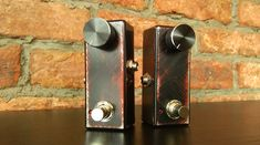 One knob to rule it all! 1:1 buffer, clean boost, and distortion - all in one box.
