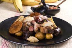 Deliciosa Picada Boyacense en el Restaurante Típico La Fogata Sutamarchán. Sausage, Cooking Recipes, Meat, Food, Google, Gastronomia, Dishes, Food Menu, Restaurants