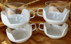 Vintage Mid Century Retro Glass Mugs / Cups with White Plastic Holders RV *et