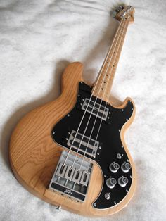 Peavey T-40 Bass - A new bass on the wishlist?