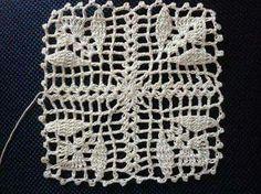 . Crochet Bedspread Pattern, Crochet Lace Edging, Granny Square Crochet Pattern, Crochet Squares, Love Crochet, Crochet Granny, Crochet Doilies, Crochet Flowers, Crochet Stitches