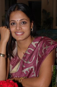 sindhu 12 Actress Sindhu Menon Gallery
