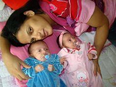 http://prosademae.blog.br/prosa-de-outras-maes-com-cleo-silva/ Eu e os Gêmeos, prosa de mãe