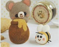 Needle Felting Kit Bear and Bee - Wool Craft  By Hamanaka  H441-496 - NEW 2017 MODEL