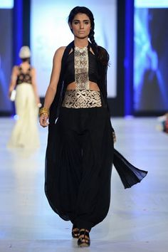 Mahgul Rashid - Pakistan Fashion Week