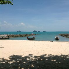 Five islands Restaurant has cool views to the islands on Koh Samui. Take some time out and enjoy.