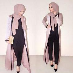blush pink abaya outfit- Abaya hijab fashion from Dubai http://www.justtrendygirls.com/abaya-hijab-fashion-from-dubai/