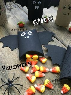 chauve-souris papier toilette 11 Toilet Paper Roll, Making Out, Diy, Pumpkin, Gift Wrapping, Birthday, Gifts, Halloween Ideas, Witch
