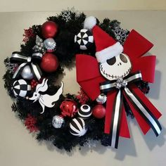 Easy Halloween Decorations Party DIY Decor Ideas - Jack Skellington Wreath - Real Time - Diet, Exercise, Fitness, Finance You for Healthy articles ideas Sally Nightmare Before Christmas, Nightmare Before Christmas Decorations, Easy Halloween Decorations, Diy Party Decorations, Halloween Party Decor, Christmas Themes, Halloween Crafts, Christmas Holidays, Christmas Wreaths