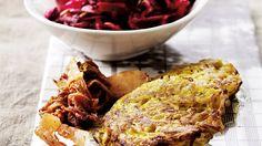 Kartoffelbøffer og rødbedesalat med æble, opskrifter, aftensmad, nemlig.com