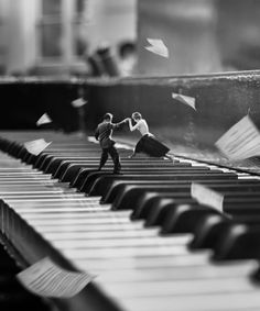surrealism photography Beautiful Dreamlike Photo Manipulations By Tekin Tre Design You Trust Piano Photography, Miniature Photography, Surrealism Photography, Creative Photography, Digital Photography, Dreamy Photography, Concept Photography, Levitation Photography, Experimental Photography