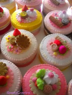 """felt cakes - taking """"play food"""" to a new level Felt Cake, Felt Cupcakes, Felt Play Food, Pretend Food, Food Patterns, Homemade Toys, Food Crafts, Diy Crafts, Felt Fabric"""