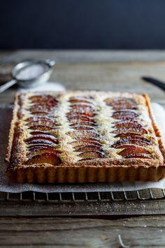 plum frangipane tart