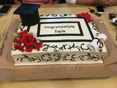 graduation cake Class 2017 - cake by Shanita Graduation Cake Designs, College Graduation Cakes, Graduation Party Planning, Graduation Cupcakes, Graduation Party Decor, Grad Parties, Cake Designs For Girl, Fiesta Cake, Congratulations Graduate