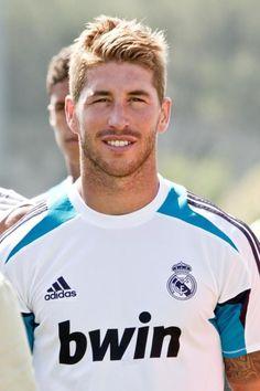 7 Sergio Ramos Haarschnitte, die Werden Sicher ein Tor //  #Haarschnitte #Ramos #Sergio #Sicher #Werden