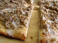 Rumbly In My Tumbly: Godfather's Cinnamon Streusel Dessert Pizza