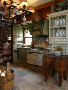 45 French Country Kitchen Design & Decor Ideas - Page 14 of 45 Cozy Kitchen, Shabby Chic Kitchen, New Kitchen, Vintage Kitchen, Kitchen Decor, Summer Kitchen, Kitchen Rustic, Kitchen Country, Victorian Kitchen