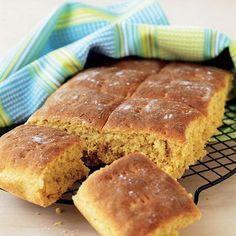 Ett sötare mörkt brytbröd som är gott tillfrukost såväl som till soppan.
